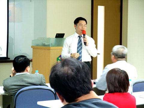 【主題】網路行銷之成功策略【時間】2009-03-17 10:15~11:00 | 演講行程