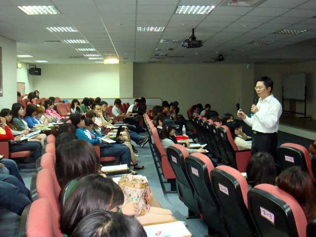 【主題】微型創業系列課程~網路行銷與創業的成功案例【時間】2009-05-15 13:30~14:30 | 演講行程